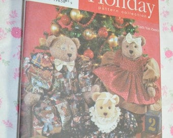 "Simplicity 7452   18 "" and 22"" Bear and Clothes Sewing Pattern - UNCUT - Mama Papa and Baby Bear"