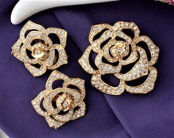 Vintage Elizabeth Taylor AVON Crystal Rose Brooch Earrings Set , Statement Jewelry , Wedding Jewelry
