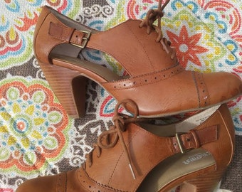 Vinatge inspired Mary Janes. 1950 style brown leather top, with wedge heel
