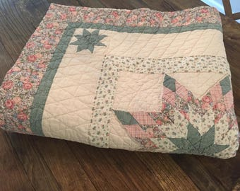 Vintage Pink and Green Star Quilt 78 x 65 Inch   Patchwork Quilt   Machine Stitched Quilt   Cotton Quilt   Old Quilt