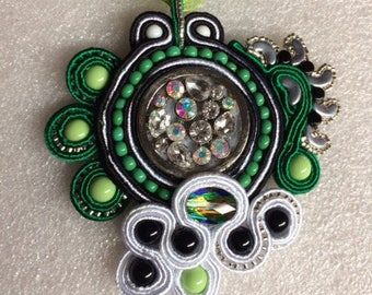 Soutache beads Bohemian lime and black.