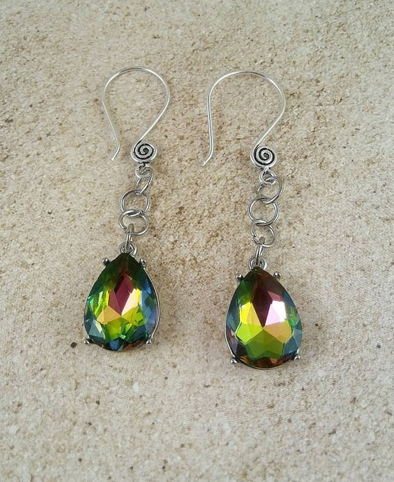 Dangle earrings, drop earrings, green earrings, green jewelry, green theme gift, gift for her, jewelry for her, birthday gift