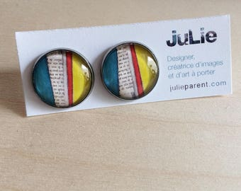 'Blue, red, yellow Collage' studs, glass cabochon 18 mm on a filigree stainless steel, hypoallergenic, art to wear