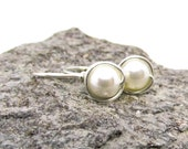Simple Earrings cream white shell core beads 935 Silver Bridal Jewelry Minimalist