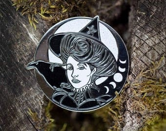 Witch & Raven soft enamel pin//witchy//pentacle//pin//lapel pin