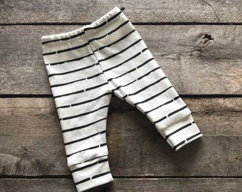 Black striped baby leggings; baby pants; take home outfit; baby shower gift set; photo prop; gender neutral leggings