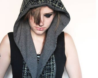 Sale! Hooded Scarf ' squashy square '
