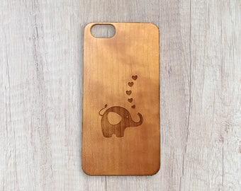 Loving Elephant - Personalised Wooden Phone Case