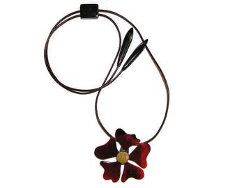 """red horn necklaces, statement necklaces, personalised family necklace, women's suspension """"Flower"""", cow horn, buffalo horn jewelry"""