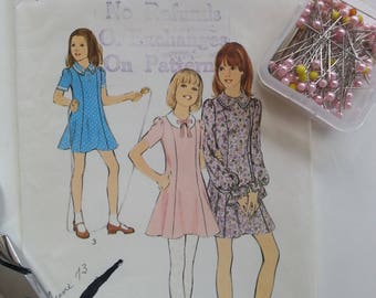 Girls Dress Pattern 1970's Vintage Dress with Collar School Birthday Party Retro Costume Stage Screen