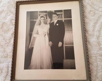 Vintage Frame / Vintage Wedding / Frame / Wood Frame / Antique Picture / Antique Frame / Vintage  Bride / Picture Frame