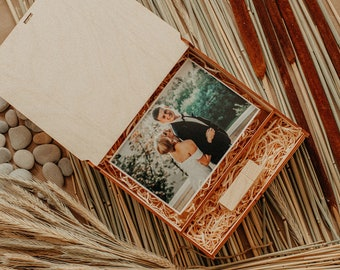 Wooden Photo Box 4 x 6 Prints and USB Box | (15x10 cm) Photo Box