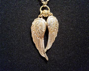 Gold Tone Angel Wing's Necklace #37
