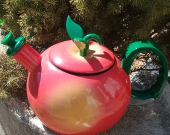 Vintage Tea Pot/Spring/Summer/Fruit/Harvest/Primitive Country Kitchen/Red Ripe Delicious/Kitchen Collection/Eco Friendly Beverage Container