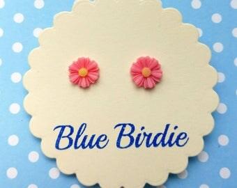 Pink daisy earrings daisy jewellery daisy jewelry daisy stud earrings daisy earrings pink flower jewellery small earrings daisy gift