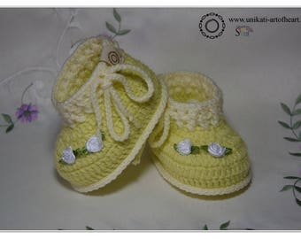 Crochet Baby Shoes / Crochet Baby Booties / Girls Baby Sneakers / Yellow Shoes / Baby Girl Gift / Flowers Shoes / Cute Baby Gift / Pregnancy