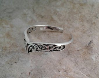 Toe Ring, Solid Sterling Adjustable Silver Chevron Filigree Toe Ring, Body Jewelry, Adjustable Toe ring