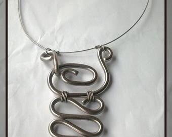 Pink aluminum wire pendant