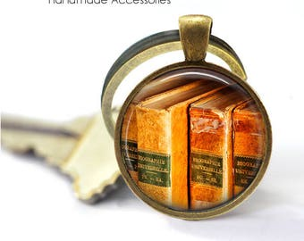 VINTAGE BOOKS Key Ring • Old Books • Gift for a Book Lover • Gift for a Writer • Gift Under 20 • Made in Australia (K456)