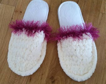 Crochet house slippers with soles