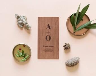 "Engraved Wood Invitation Model ""initial sum"""