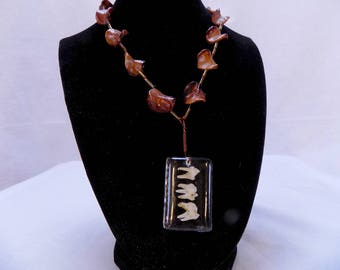 Tooth resin jewel necklace