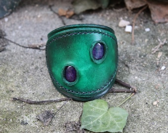 Vegetable tanned leather with dragon agate bracelet