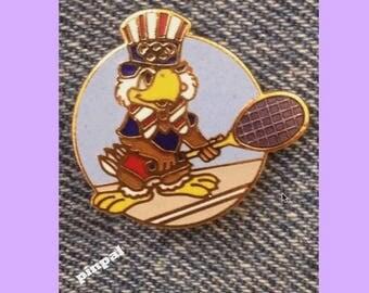 Tennis Olympic Brooch Pin ~ 1984 Los Angeles ~ LA ~ Mascot ~ Sam the Eagle ~ Round