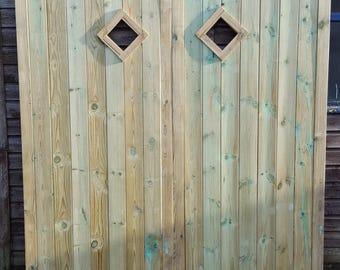 Horizontal TVG Framed Diamond Window Garage Doors