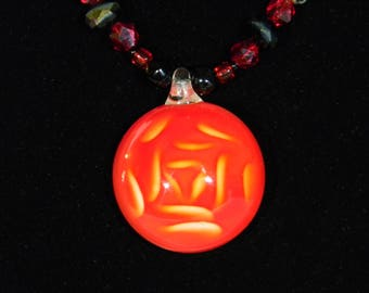 Red rose glass bead necklace