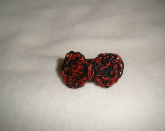 Crochet red and black bow ring