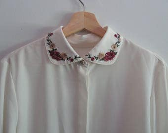 Embroidered Button Top White/Raspberry