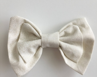 White Floral Maggie Bow