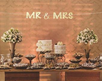 Mr and mrs banner, wedding reception banner, mr and mrs sign, bridal shower banner, engagement party banner, wedding banner, wedding sign