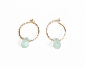 NERVA EARRINGS - Small creole earrings with chrysoprase