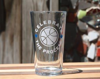 Philadelphia 76ers 16 fl oz Pint Glass - Customize