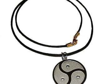 BDSM symbol pendant Peitschenrad triskelion stainless steel incl. leather necklace chain Fetish SM Jewelry