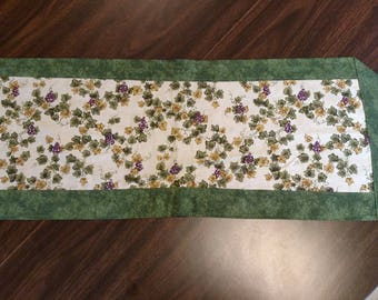 Grapes on the Vine Reversible Table Runner