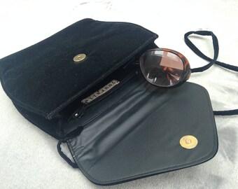 Vintage 1970s Jouralle Black Velvet Evening Shoulder Bag
