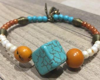 Bracelet ethnic turquoise howlite and Acai seeds