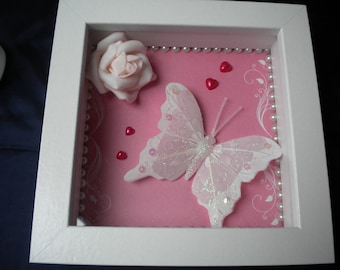 FRAME ROMANTIC PINK BEADS AND BUTTERFLIES TO HANG OR TO ASK