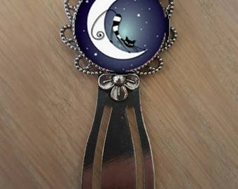 """Bookmark """"cat on the Moon"""""""