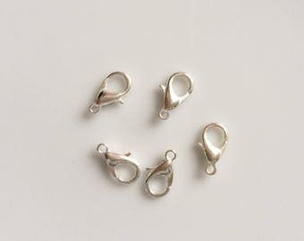 silver metal clasps