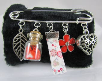 """Brooch """"Red and silver tones eclectic"""" with fancy charms"""