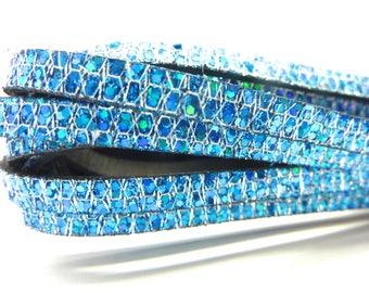 20 cm leather flat 5mms blue iridescent