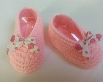 "Little pink feet ""ballerina way"" 3-6 months raised(enhanced) by a gourmet bow - slippers"