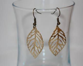 Fancy Golden filigree leaf earrings