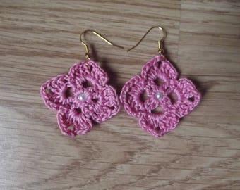 Crochet pink stud earrings.