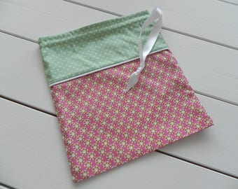 For children, with DrawString pouch