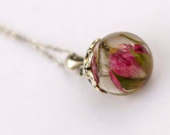 Resin and Rosebud bubble necklace